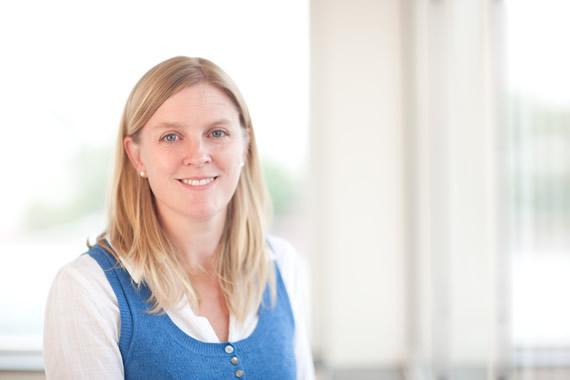 Dr Julia Rebstein